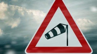Ostrzeżenie meteorologiczne. Mocno wieje z północnego zachodu
