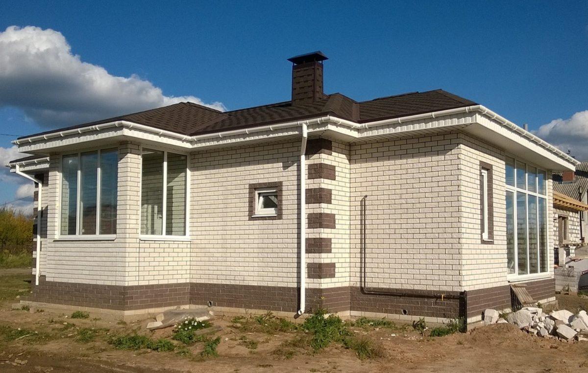 Wciąż marzymy o własnym domku. Sprawdzamy ile się buduje w powiecie kołobrzeskim