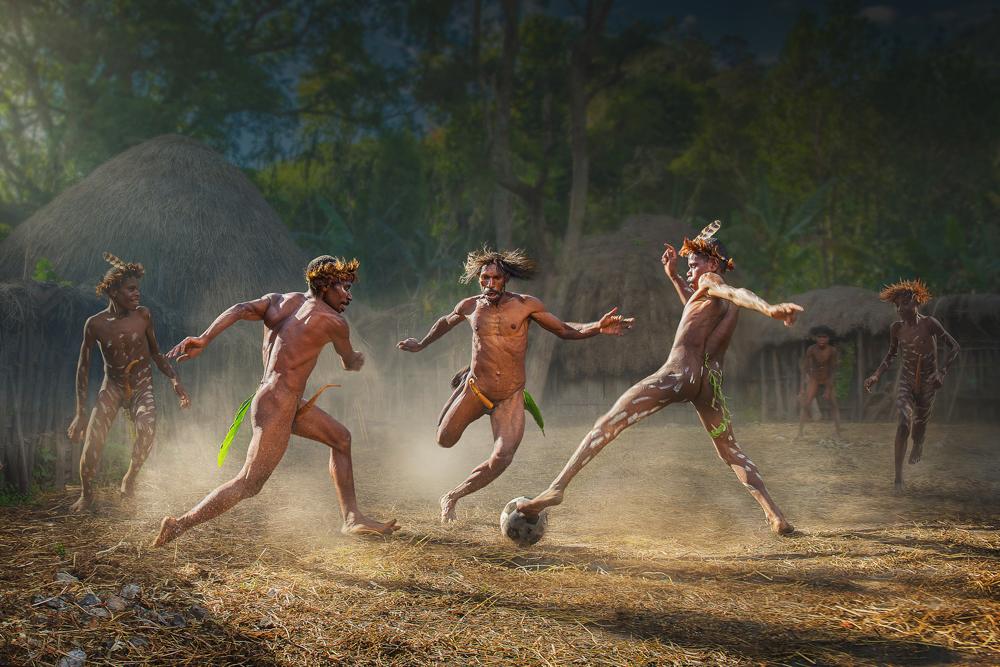 Papuan soccer 2 - Fotoferia.pl zaprasza do udziału w międzynarodowym konkursie fotograficznym pod patronatem PSA