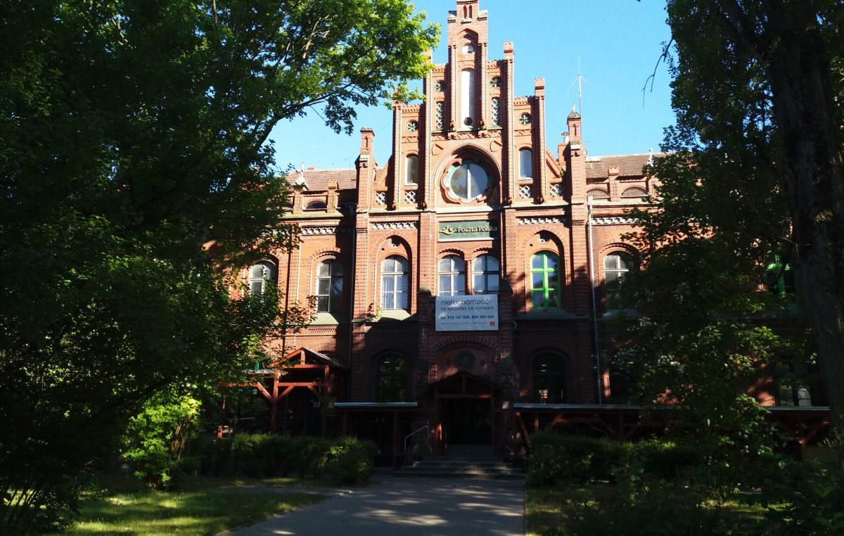 Orange sprzedał zabytkowy budynek Poczty przy ul. Armii Krajowej 1