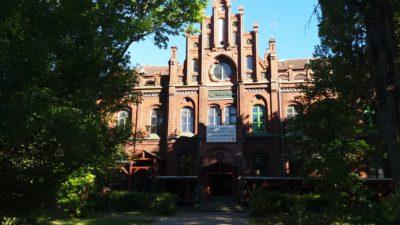 Miasto kupi budynek Poczty Polskiej? Prezydent: To jest ładny, ale niefortunny budynek