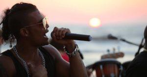 Koncert kubańskiej grupy Impacto na plaży. Wstęp wolny
