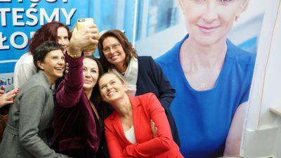 Silna grupa wsparcia. Kidawa-Błońska, Lubnauer i Nowacka przyjechały wesprzeć Annę Mieczkowską