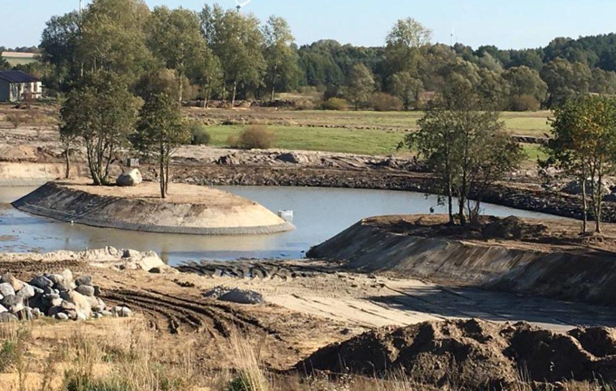 W Fun Park Pomerania powstają sztuczna plaża, kanały i przystań rzeczna