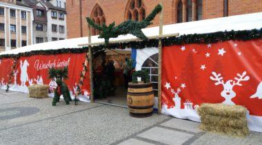 Dziś ruszył na placu Ratuszowym Jarmark Bożonarodzeniowy. Internauci nie szczędzą mu słów krytyki