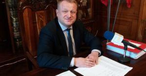 Przewodniczący Rady Miasta i były kandydat na prezydenta Kołobrzegu Jacek Woźniak znalazł zatrudnienie