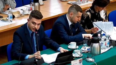 Radny Piotr Rzepka twarzą likwidacji Rad Osiedli. Ale pomogli mu też inni radni