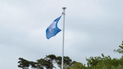 Kąpieliska w Grzybowie i Dźwirzynie z Błękitną Flagą. Kołobrzeg pauzuje
