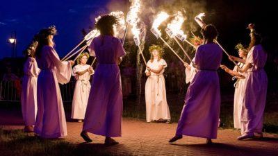 Noc Świętojańska: Parada z pochodniami, puszczanie wianków na wodzie i ognisko  (zaproszenie)