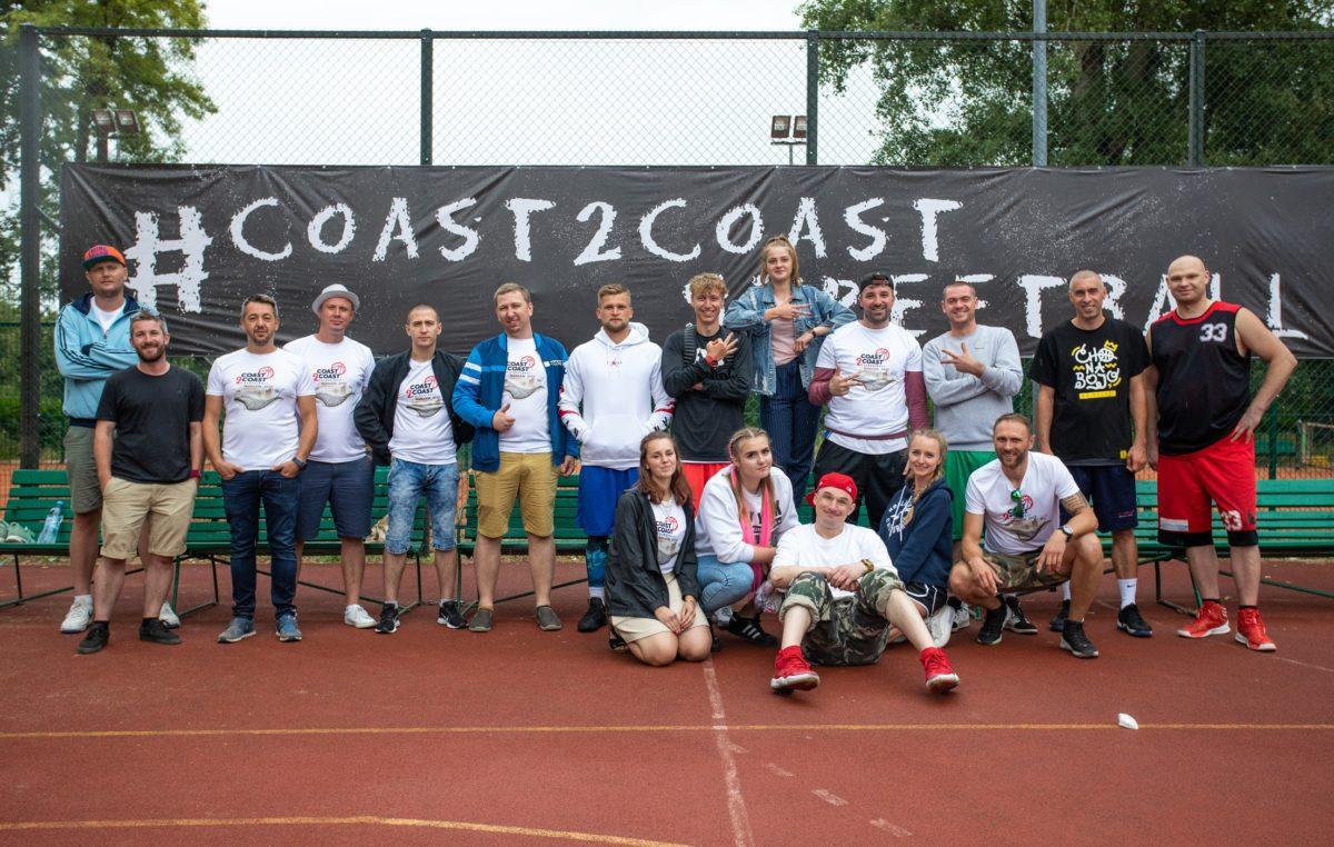 """""""Czarodzieje z wydm"""" w czwórce najlepszych drużyn turnieju Coast2Coast Streetball"""