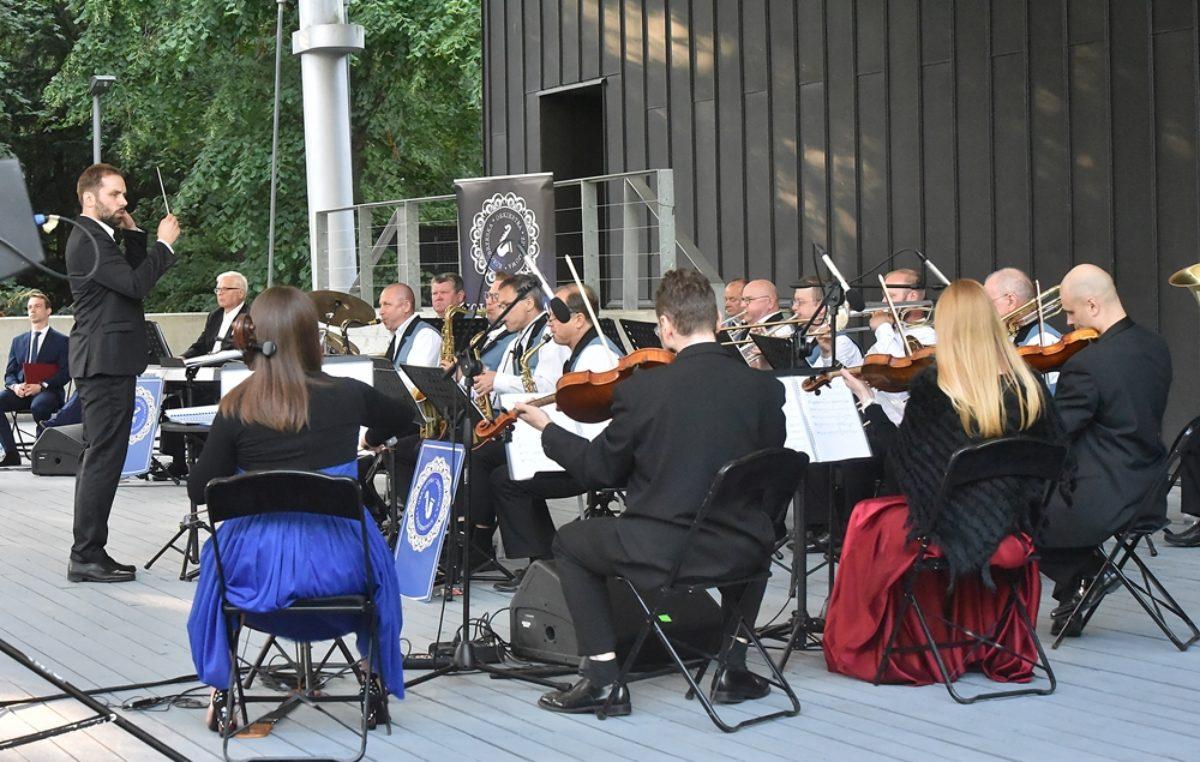 Poniedziałek, RCK, koncert Kołobrzeskiej Orkiestry Zdrojowej, godz. 19, wstęp wolny