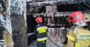 W pożarze stracili dom. Pomóżmy im go odbudować! (link do profilu na zrzutka.pl)