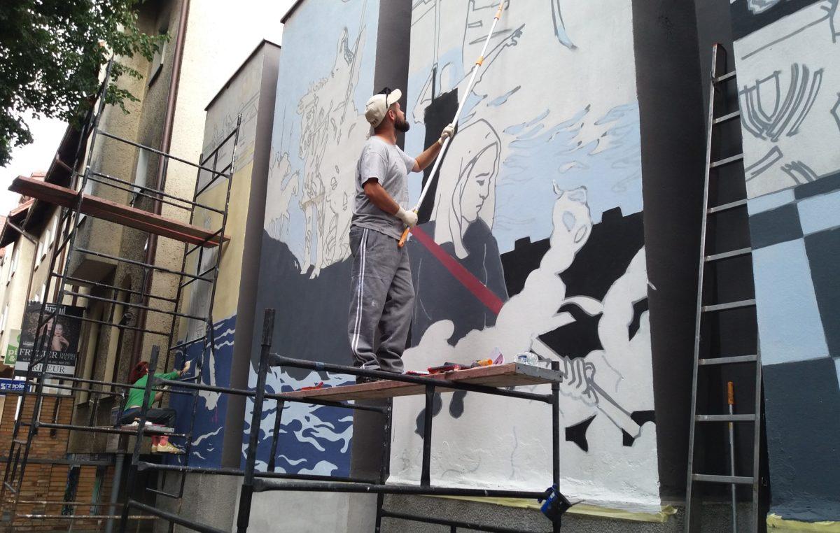 Powstaje historyczny mural na budynku Muzeum Oręża Polskiego