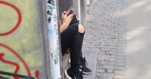 Pamiętaj, nie jesteś sam! Bezpłatny Telefon Pomocnego Zrozumienia dla dzieci i młodzieży