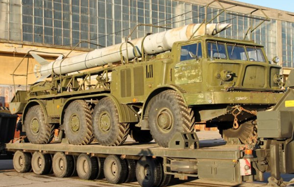 Zestaw rakietowy Łuna-M przyjechał do Rogowa