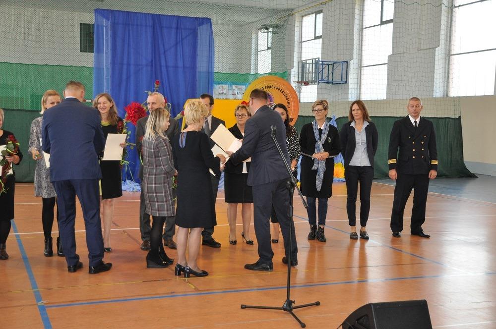 szkola kolobrzeg 3 - Dzień Edukacji Narodowej. 19 nauczycieli nagrodzonych