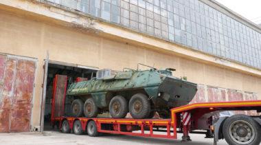 Do Rogowa trafił nowy eksponat. To kołowy transporter opancerzony SKOT