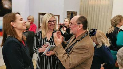 Nowa wystawa malarstwa w GSW. Na wernisażu tłum (zdjęcia)