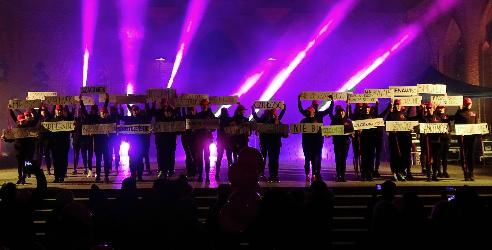 """1 1 - Finał akcji """"Nazywam się Miliard/One Billion Rising"""" (zdjęcia)"""