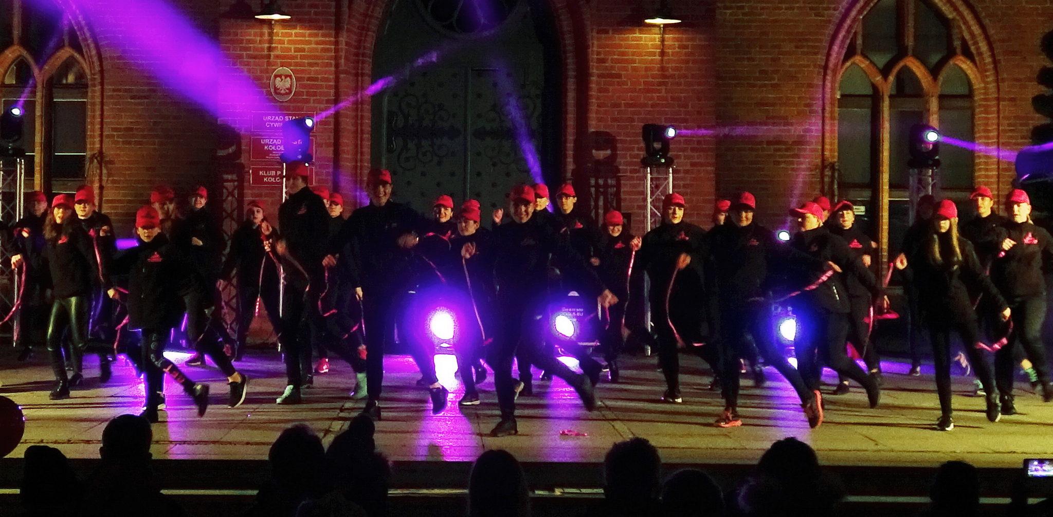"""4 2 - Finał akcji """"Nazywam się Miliard/One Billion Rising"""" (zdjęcia)"""