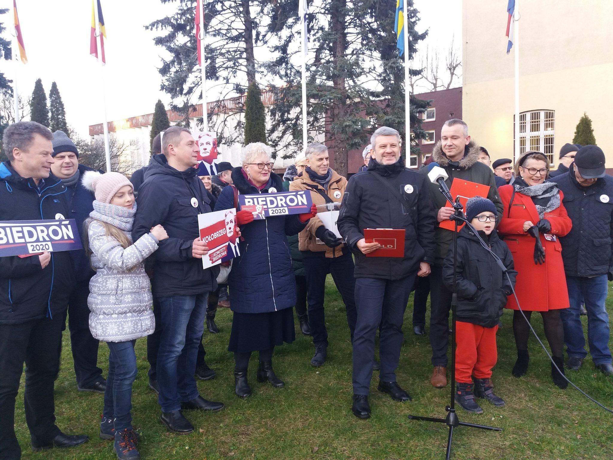 """nowa lewica Kołobrzeg - Lewica """"półoficjalnie"""" rozpoczęła kampanię wyborczą w Kołobrzegu i zapowiada wizytę Roberta Biedronia w uzdrowisku"""
