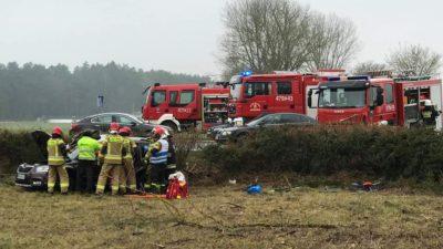 Wypadek na DK6. Nie żyje pasażerka osobówki