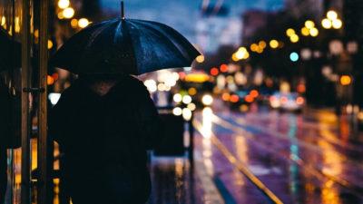 IMGW zmniejszył stopień alertu pogodowego, wciąż jednak ostrzega przed silnym wiatrem