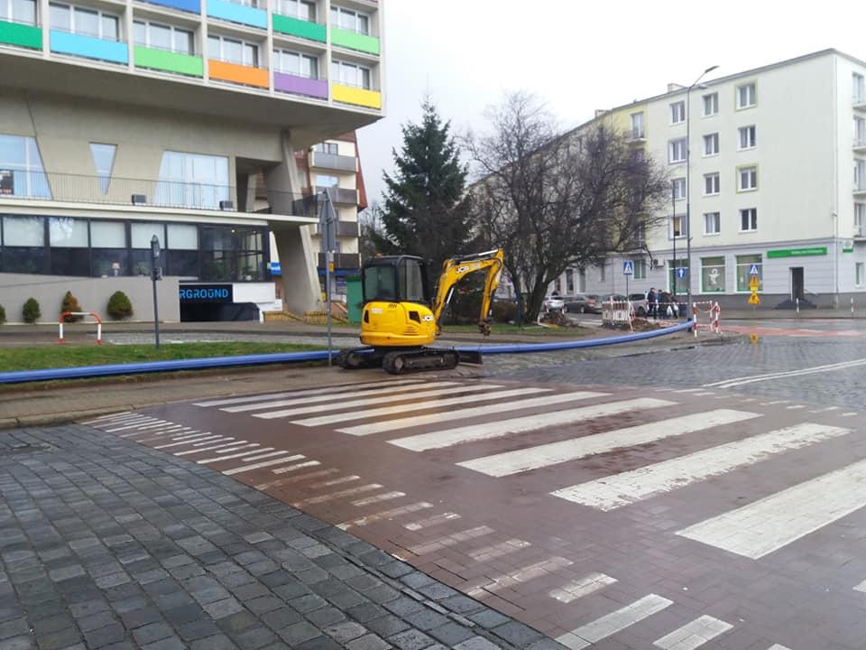 remont kolobrzeg 3 - Rozpoczyna się przebudowa ulic 18 Marca i Zwycięzców. Na razie bez utrudnień w ruchu kołowym