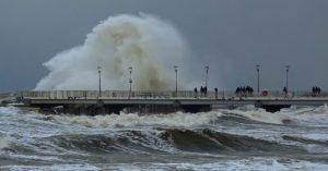 IMGW ostrzega przed sztormem. Nawet 7 w skali Beauforta