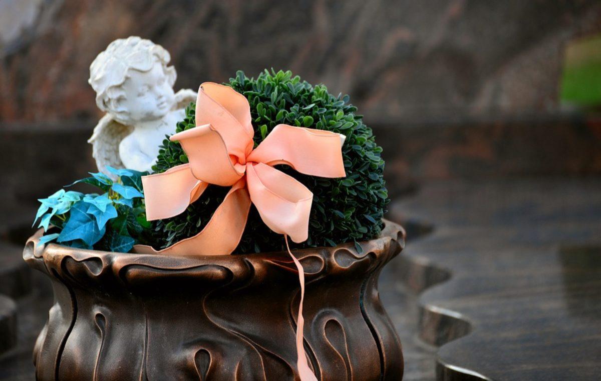 Pogrzeb online. Kołobrzeski dom pogrzebowy na życzenie rodziny będzie transmitował ceremonię pogrzebową na Facebooku