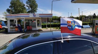 Flaga z herbem miasta na Dni Kołobrzegu. Tu możesz dostać ją za darmo