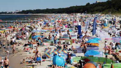 MOSiR szuka ratowników wodnych. Ile będzie można zarobić pracując w sezonie na plaży?