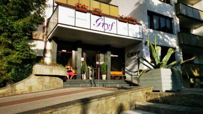 Zarząd Powiatu odstępuje od zawarcia umowy sprzedaży ośrodka Gryf. 37 mln zł nie wpłynęło na konto