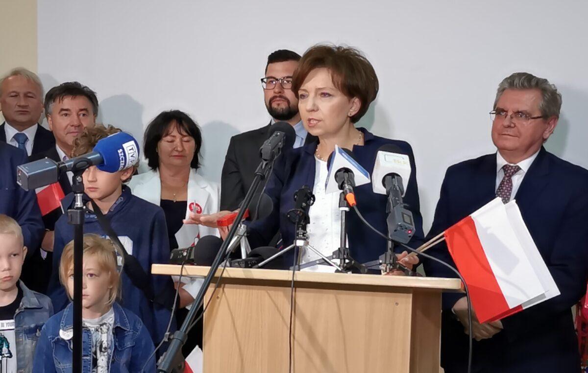 Briefing prasowy Minister Rodziny, Pracy i Polityki Społecznej, Marleny Maląg w Kołobrzegu (WIDEO)