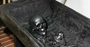 Kopia szkieletu najstarszej kołobrzeżanki już w muzeum. Warszawska firma wydrukowała go na drukarce 3D (WIDEO)