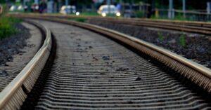 Uważajcie za kierownicą! Tylko wczoraj dwa przypadki uszkodzenia szlabanów na przejściach kolejowych w Kołobrzegu