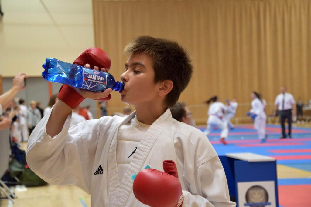111 1024x683 - Cztery medale karateków klubu Morote. Młodziutki Maksym, mimo kontuzji, nie poddał się i dzielnie walczył dalej