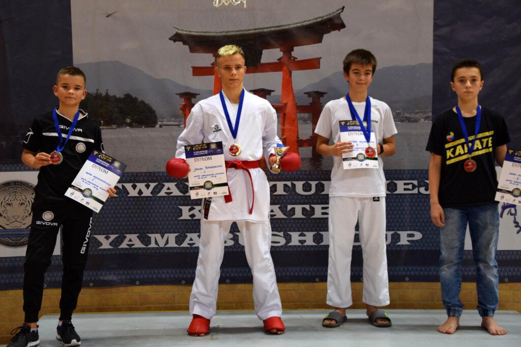 118 1024x683 - Cztery medale karateków klubu Morote. Młodziutki Maksym, mimo kontuzji, nie poddał się i dzielnie walczył dalej