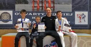 Cztery medale karateków klubu Morote. Młodziutki Maksym, mimo kontuzji, nie poddał się i dzielnie walczył dalej