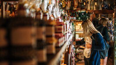 W Kołobrzegu ma powstać sklep socjalny. Ceny nawet połowę niższe dla osób w trudnej sytuacji życiowej
