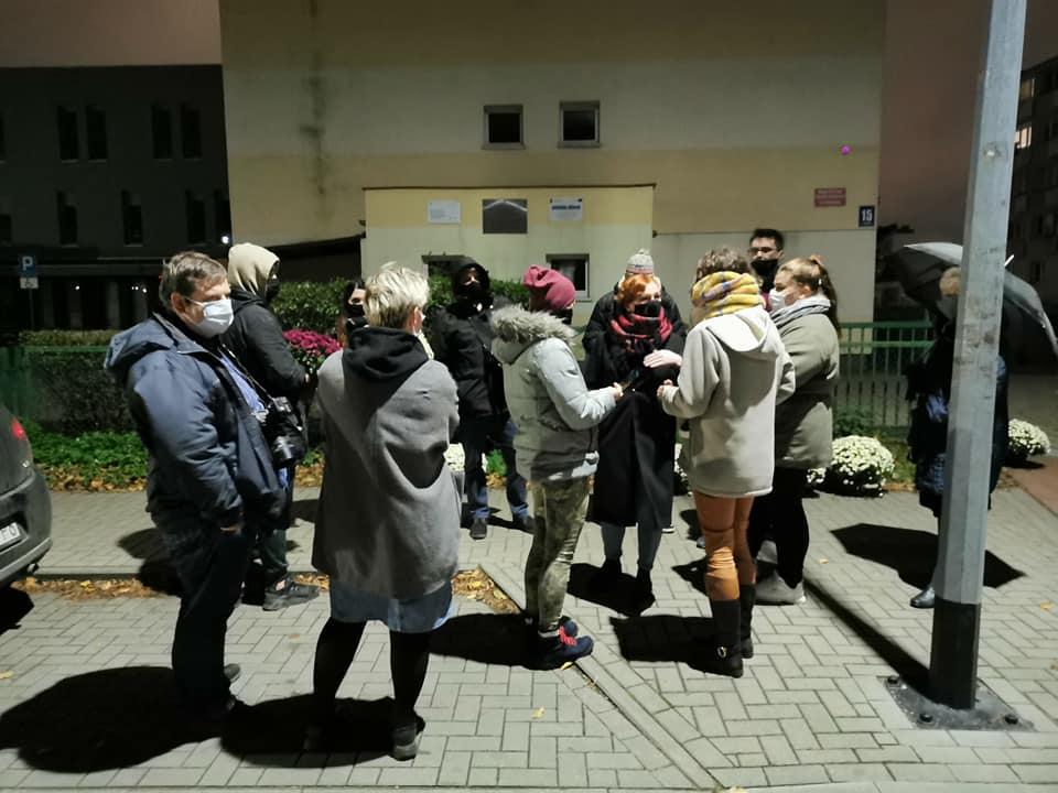 pr7 - Protest przeciwników orzeczenia TK ws. aborcji. Tym razem pod biurem posła PiS (ZDJĘCIA)