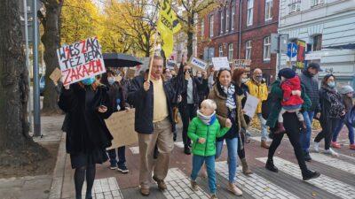 Protest przeciwko orzeczeniu Trybunału Konstytucyjnego ws. aborcji (przemarsz)