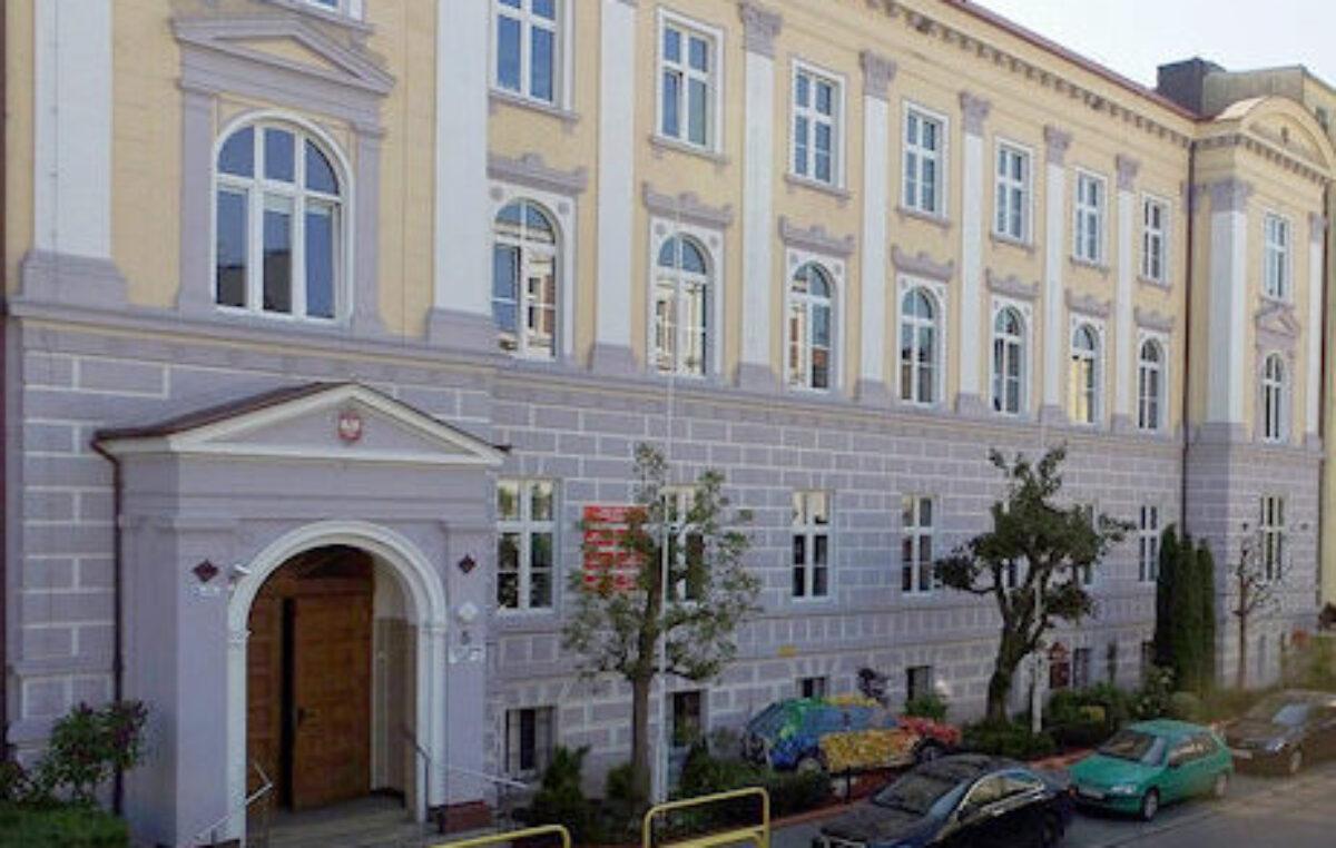 Szkoła przy Piastowskiej zamknięta. Nauka będzie prowadzona w trybie zdalnym