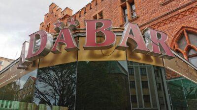 Kawiarnia Adabar od ponad trzech lat jest zamknięta. Co dalej z zabytkowymi piwnicami ratusza?