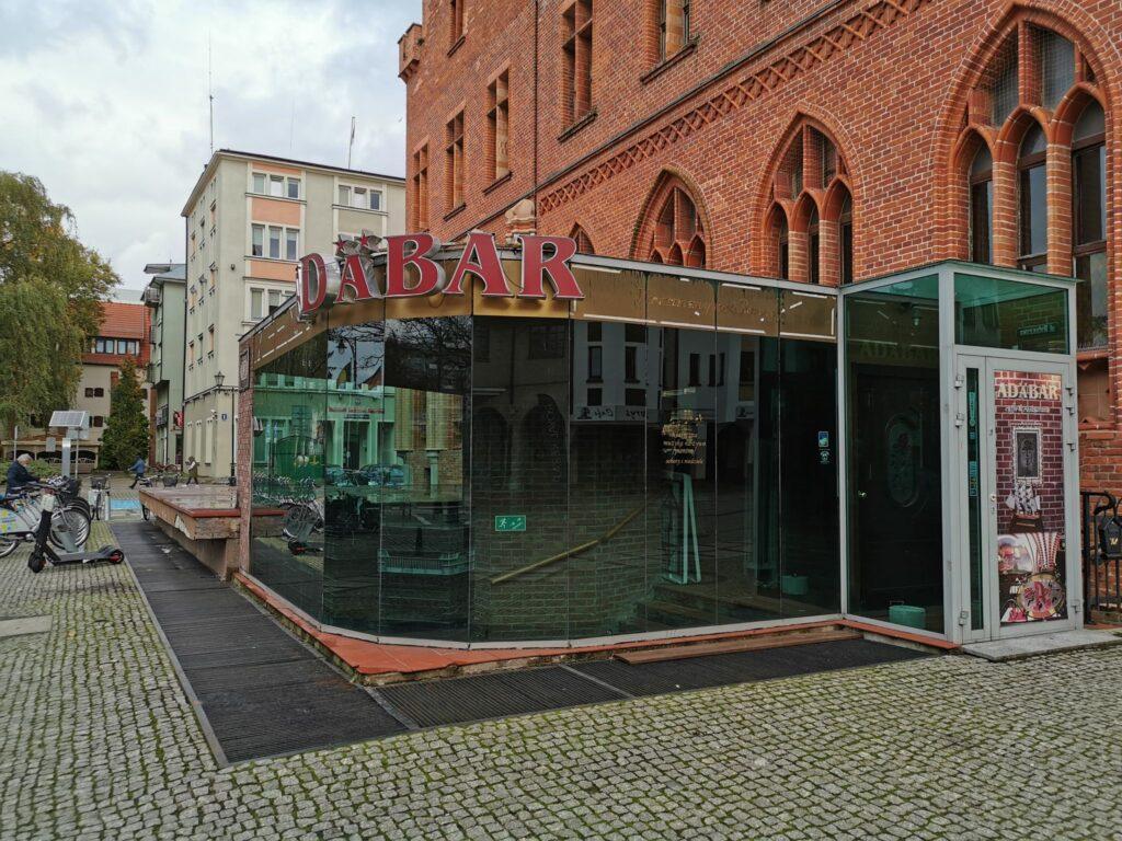adabar2 1024x768 - Kawiarnia Adabar od ponad trzech lat jest zamknięta. Co dalej z zabytkowymi piwnicami ratusza?
