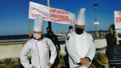 Czarna polewka dla rządzących. Dziś protestowała branża gastronomiczna (ZDJĘCIA, WIDEO)