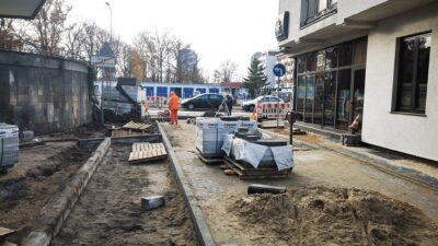 Modernizacja podwórka przy ul. Wojska Polskiego dobiega końca