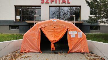 Mniej łóżek covidowych. Szpital w Kołobrzegu przywraca oddział wewnętrzny (komunikat)