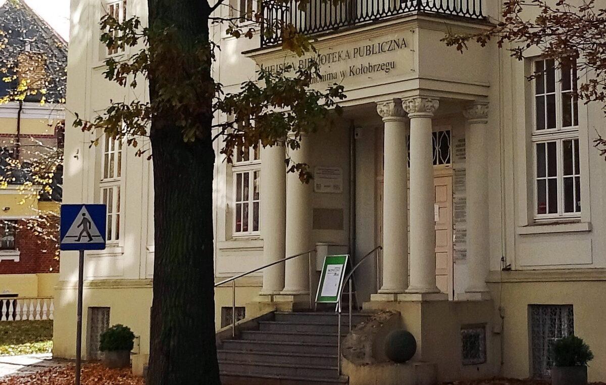 21 września, biblioteka, spotkanie z Marcinem Świetlickim i Mariuszem Czubajem, godz. 17, wstęp wolny