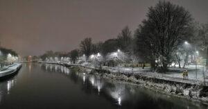 Dziś wieczorem sypnęło śniegiem… (GALERIA ZDJĘĆ)